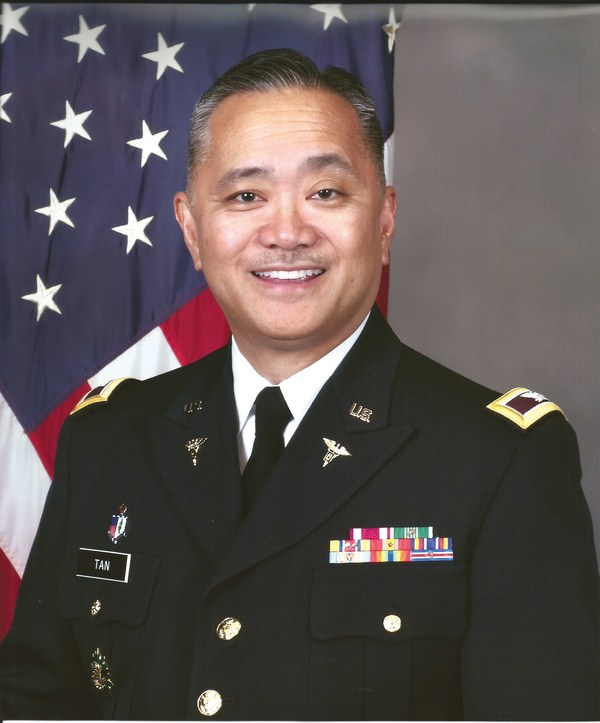 2015 Command Photo Col Tan